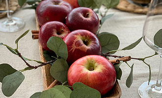 Сервировка c яблоками